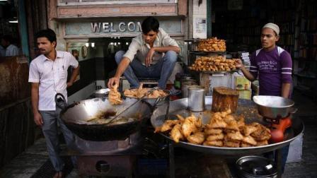 印度小吃街的特色食品, 中国人刚开始不敢吃