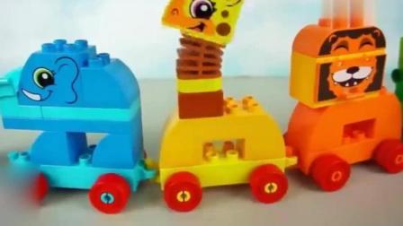 宝宝早教益智玩具: 积木玩具拼装动物  学学英语