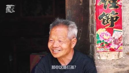七旬老人退休后回到乡下老家, 种菜养花, 看夕阳西下!