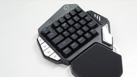 专注手游吃鸡 多彩 T9X 单手机械键盘