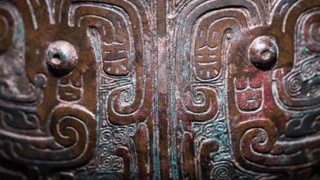 老农后院挖出神秘地窖, 青铜国宝重见天日, 上古神兽竟真实存在
