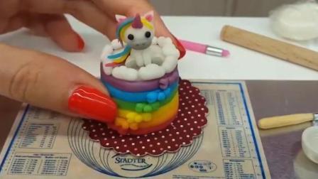 可食用的迷你版彩虹蛋糕, 这个网红博主的手可以做外科手术