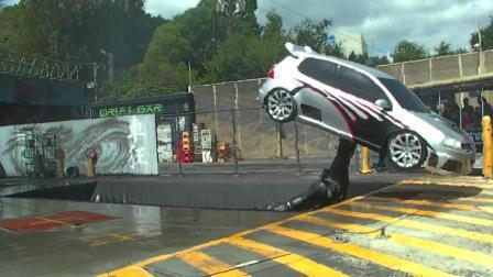你以为电影中汽车爆炸真炸车? 看了这机器真是没见识限制想象力!