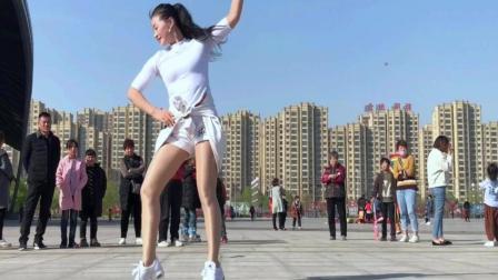 广场舞《站在高高的山岗上》