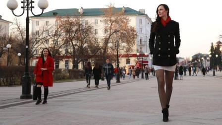 美女腿长133cm, 号称世界最长腿, 真正的脖子以下全是腿!