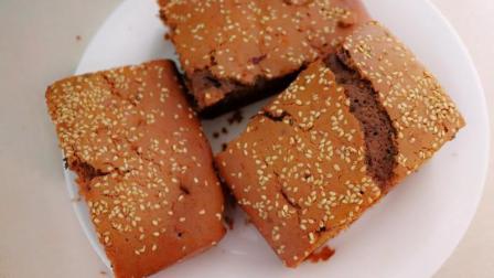 外面排队购买的枣糕在家也能做, 可蒸可烤, 比做蛋糕简单多了