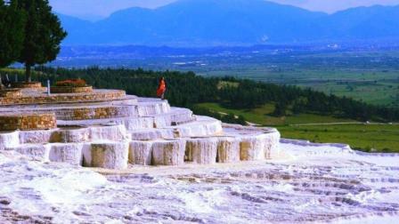 穿梭于土耳其棉花堡, 在露天浴场沐浴, 这种美好感受你体验过吗?