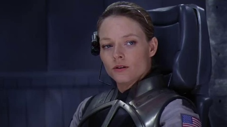 《超时空接触》  朱迪·福斯特进球舱启时光旅行