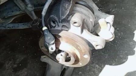 东风汽车换轴承, 这车噪音嗡嗡的, 国产车需努力!