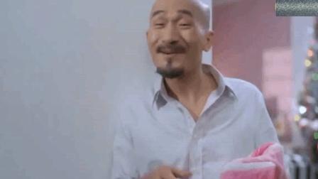 香港经典电影: 看光头佬怎么教儿子泡妞, 说的办法现在也管用!