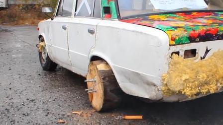 俄罗斯大叔用木头做轮胎, 自带漂移系统? 隔着屏幕都能感受!