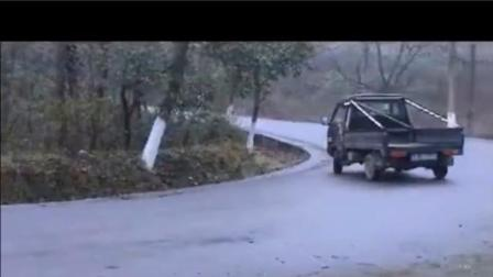 藏在农村里的车神,载货小货车也能秀高超技术,漂移就是这么简单