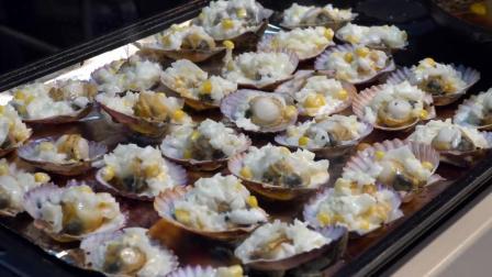 除了蒜蓉粉丝扇贝外, 韩国街头的芝士烤扇贝味道也是一绝