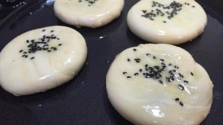 千层酥皮小饼还在买着吃? 自己做的豆沙陷外酥里嫩, 原来这么简单