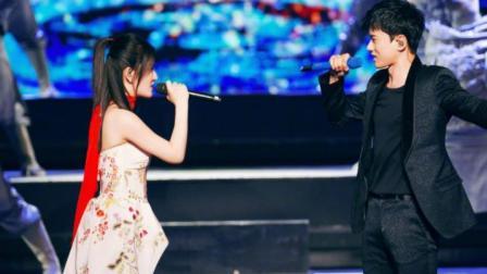 谢娜让张杰来助唱, 一不小心自己成了伴唱, 论唱歌, 还是杰哥厉害