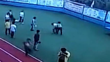 小学生课间与同学打闹 遭对方持球拍砸成脑震荡