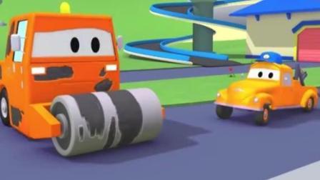 汽车城的工程车 拖车汤姆清洗和修理出故障的火车特洛伊和压路机