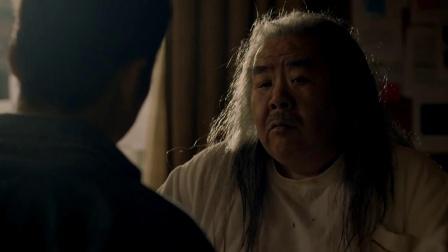 《十月初五的月光》  郑则仕顶一头长发 变身势力大老板