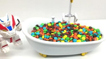 玩具乐园超变武兽 超变武兽糖果浴缸藏了好多玩具