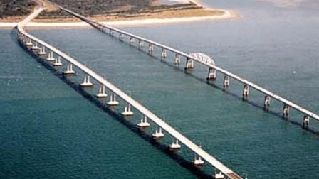 全长37公里的大桥, 悬空56米, 当地人都不敢过!
