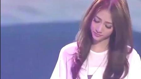 十年前, 她一首歌火遍大江南北, 至今很少有人记得原唱的她!