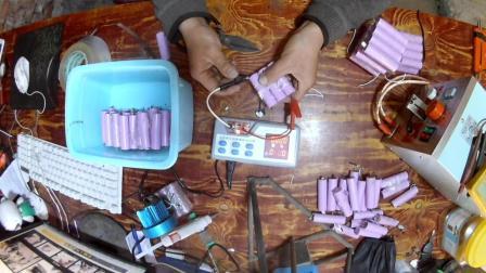 哈雷电动车放了半年没开锂电池充不进去电去修拆开一看 有70 多个坏了