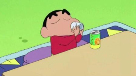 蜡笔小新: 小新毕业了 隔壁大婶送了小新一罐果汁