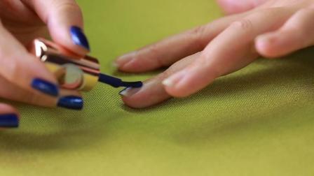 动动手就变美基础教程: 涂指甲油的正确方法, 简单四步, 新手也能轻易完成。
