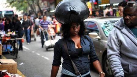 """中国的""""小非洲"""", 整条街都是黑人做生意, 带来的问题让国人苦恼"""