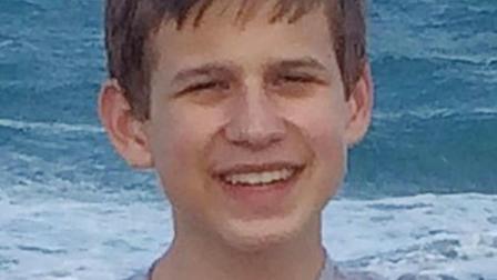 美国16岁少年被卡车内 用Sir报警两次却未得救...