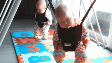 妈妈只用一招让双胞胎宝宝快速入睡, 网友: 简直哄娃神器!