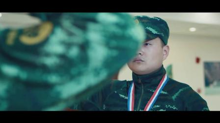 《中国兵王》  小兵梦想终成真 被授予兵王奖章