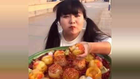 东北胖萝莉自做麻辣果冻, 又辣又甜真好吃