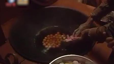 客家元宵节的汤圆是橄榄形椭圆形美食