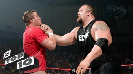WWE巨星大震撼历史上十大经典瞬间 大秀哥演间谍 约翰塞纳一日游