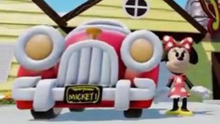 赛车总动员: 米奇在迪士尼玩转所有汽车, 坐着魔毯吃杯子蛋糕
