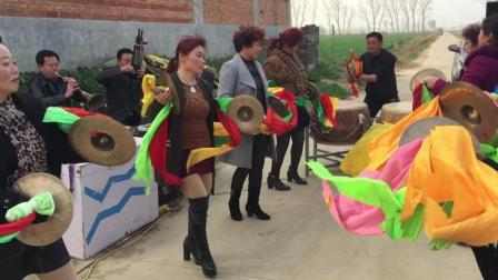 邓州市唢呐王和鼓王, 打出来的铜器太有劲了