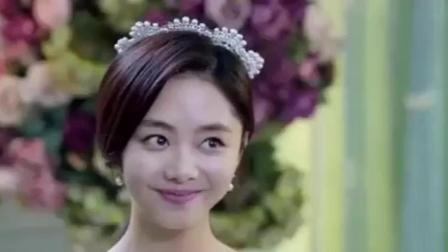 谭松韵穿上婚纱简直美出天际, 没想到傲娇总裁姜潮却是这个表情, 不应该啊