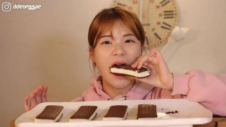 韩国大胃王豪放派, 吃巧克力夹心饼干, 发出咀嚼音, 吃的太馋人了
