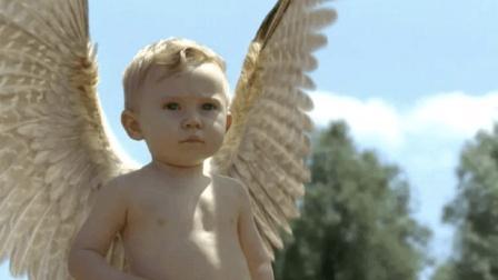 3分钟看完《瑞奇》, 婴儿刚出生就长出翅膀, 是天使还是魔鬼?
