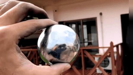 老外自造铝箔球, 把它放进粉碎机里, 机器能咬动吗?