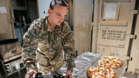 驻外美军的单兵口粮含披萨, 全是意大利腊肠味