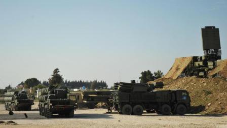 空袭时俄军未参与拦截, 美军高层赞其表现专业, 明褒暗贬