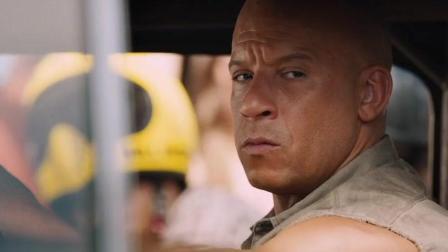 """暴躁老破车赢了超级跑车, 因为开车的人是""""范迪塞尔"""""""