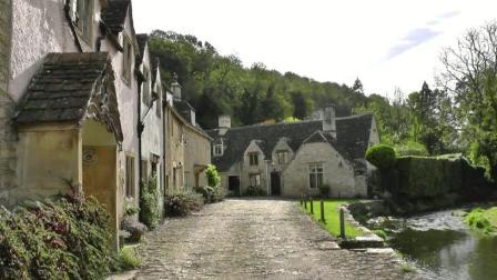 威尔特郡小镇, 一个英格兰建筑风格的古镇
