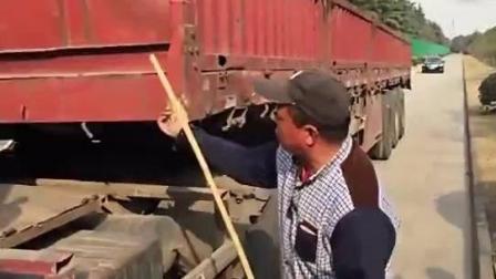 老司机教美女司机如何操作半挂车倒车!