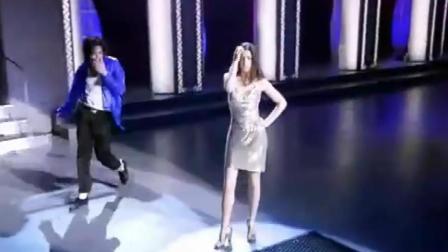 迈克尔杰克逊的经典跺脚, 没有人可以超越, 旁边的女舞伴很抢镜