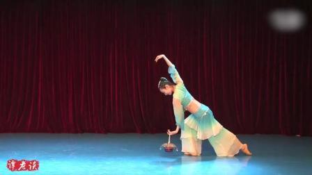 北京舞蹈学院孙雪绒古典舞《罗敷行》, 美极了, 好看到停不下来