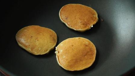 香蕉松饼的家常做法, 香甜味美, 营养又健康, 几分钟就做好