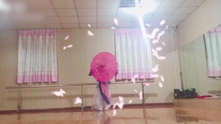 古典舞《风筝误》, 独舞跳的一般, 但是特效配的很到位